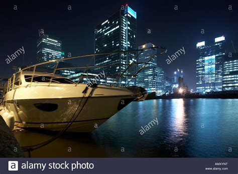 speedboat on the waterfront in canary wharf docklands - Speed Boat Waterfront
