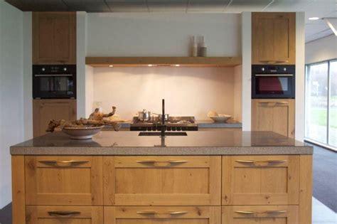 keuken massief hout showroomkeukens alle showroomkeuken aanbiedingen uit