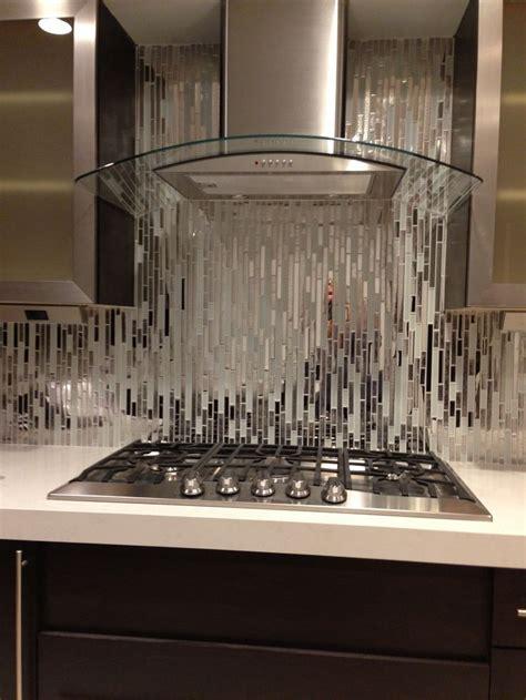 modern random mixed tile  white glass  textured