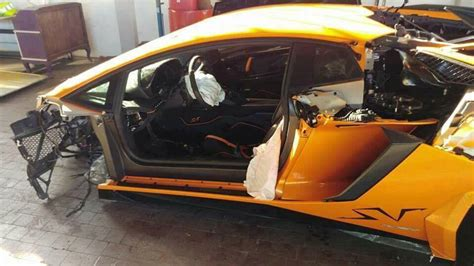 Lamborghini Aventador Crash Lamborghini Aventador Sv Torn Apart In High Speed Crash In