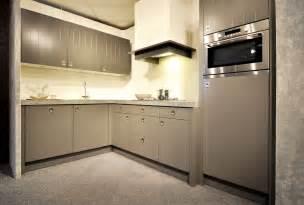 keller keukens handgrepen showroomkeukens alle showroomkeuken aanbiedingen uit