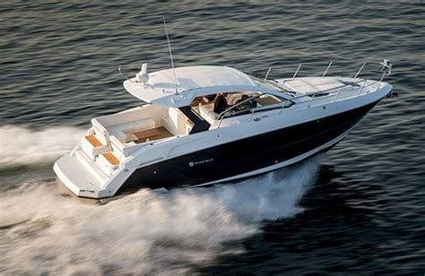 best cruiser boats 2016 2016 cruisers yachts 39 express coupe motor yachts boat