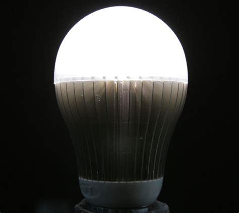 Maxwell Learn To Discern Led Bulb Quality Toronto Star Led Light Bulbs Toronto