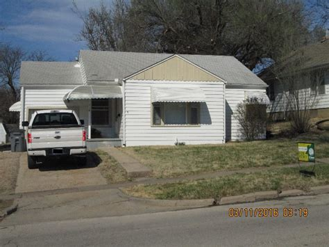 2 bedroom 2 bath house for rent 116 w 15th emporia ks 2 bedroom 1 bath house for rent