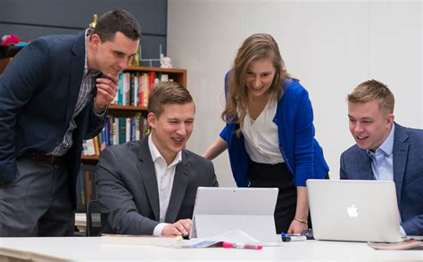 Carlson Mba Application by 4 Veterans Transition From Carlson Mba Program To