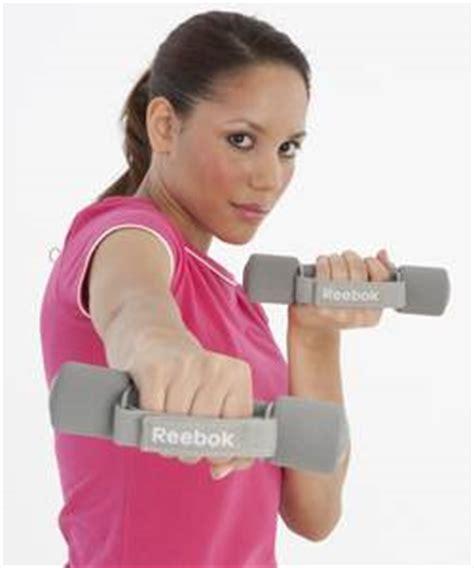 fitnessprogramm für zuhause ohne geräte kleine fitnessgeraete fuer ein effektives workout zuhause