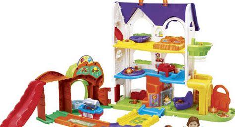 speelgoed kind 3 jaar vrolijke vriendjes magisch speelhuis is winnaar