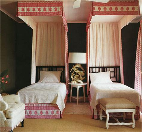 two twin beds decorating girls room with two twin beds room design ideas