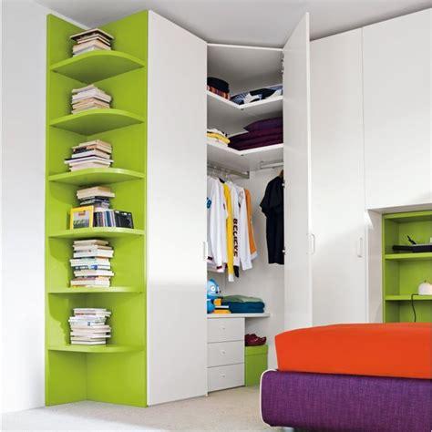 cabina angolare oltre 25 fantastiche idee su armadio angolare su
