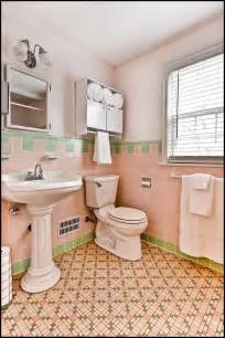 Retro Pink Bathroom Ideas 25 Great Ideas About Retro Bathrooms On