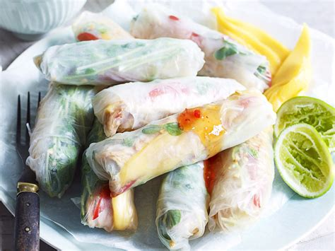How To Make Rice Paper Wraps - chicken and mango rice paper rolls recipe food to
