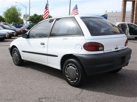 Suzuki Front Wheel Drive Suzuki 1998 White Hatchback Gasoline 4 Cylinders