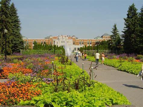 Parking Botanical Gardens Montreal Garden Picture Of Montreal Botanical Gardens