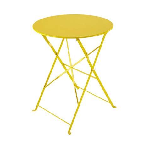 table pliante de jardin en m 233 tal jaune d 58 cm confetti