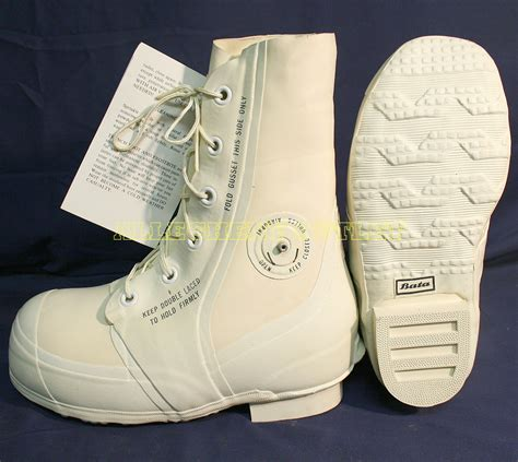 bata boots bata white mickey mouse bunny boots 30 176 cold