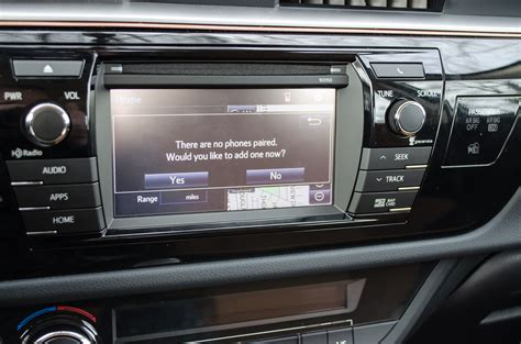 Toyota Entune Review How To Connect An Iphone To Toyota Entune Motor Review