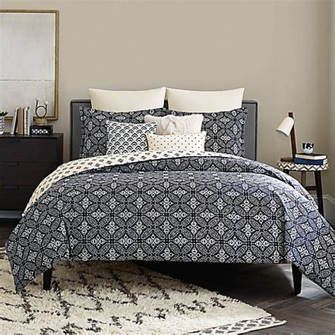 real simple bedding real simple 174 luna reversible duvet cover in navy bed