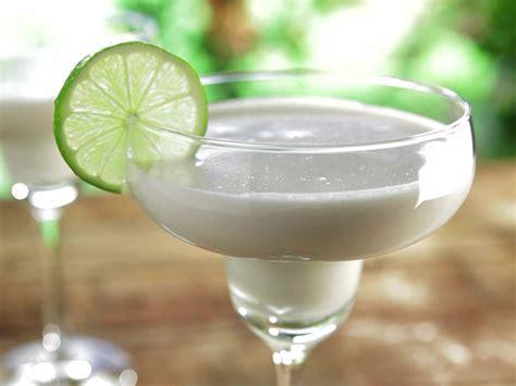 qf0301h coconut margarita recipe s4x3 jpg