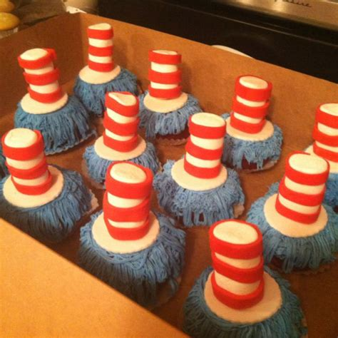 Cat In The Hat Baby Shower Ideas by Cat In The Hat Themed Baby Shower Cupcakes Dr Seuss Baby