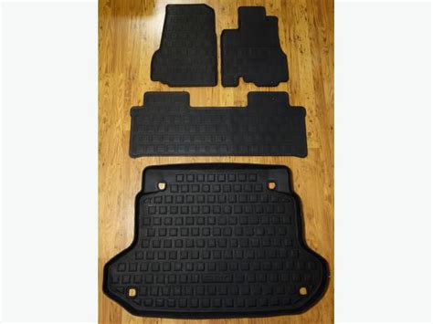 Honda Rubber Floor Mats by Honda Cr V Custom Fit Rubber Floor Mats 2002 06 West