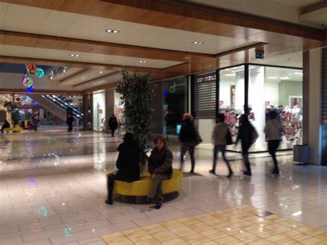 saldi porte di roma saldi i clienti disertano l apertura dei centri