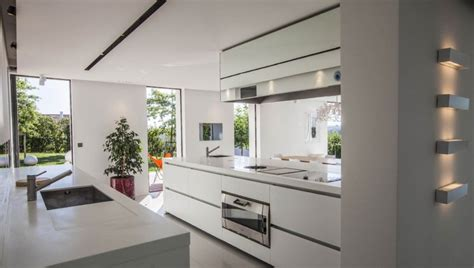 fa nce cuisine moderne location villa contemporaine avec piscine au pays basque