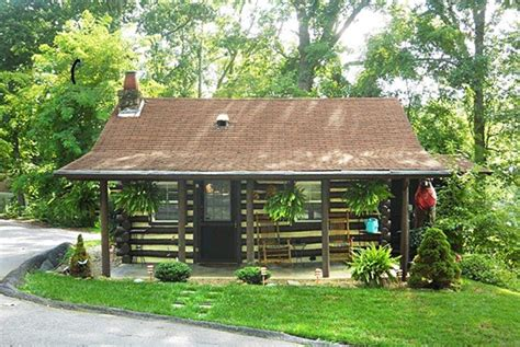Cabins In Asheville by Asheville Log Cabin Near Downtown You Vrbo