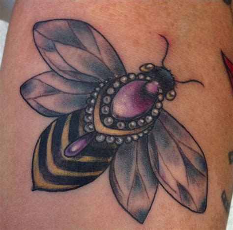 tattoo don t use lotion i want my bee to be similar to this i want it to look