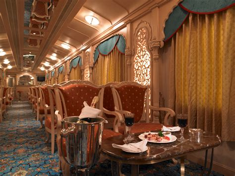 India Luxury Train | luxury trains holidays in india