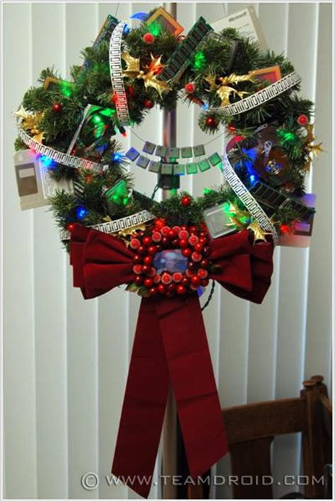 christmas decorations on the computer inventive decorations for computer geeks pingdom royal