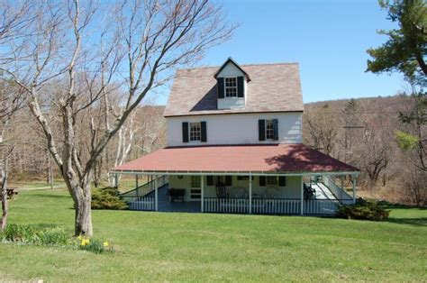 cottage house for sale 8 cozy country cottages for sale under 200 000 trulia s