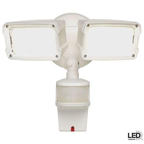 twin head outdoor light defiant 180 degree 1 head black led motion sensing battery