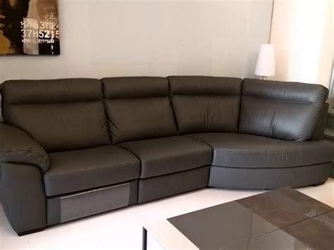 divani con movimento relax divano doimo salotti modello charles con movimento relax