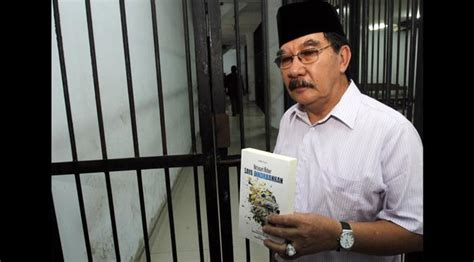Antasari Azhar Saya Dikorbankan Berita Harian Nasrudin Zulkarnaen Kumpulan Berita