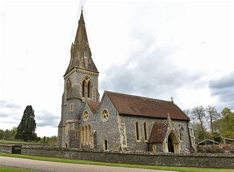 St Mark S Church Berkshire by Pippa Middleton Spotted At Church With Her Parents Let