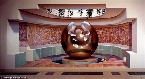3d murals off the wall the astonishing 3d murals painted on the