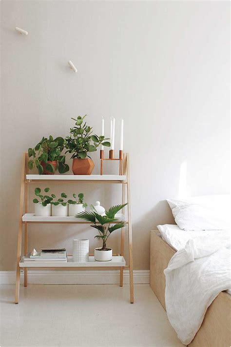 bedroom plant 5 id 233 es pour une table de chevet styl 233 e frenchy fancy