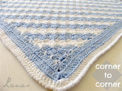 Maden Decke by Lanas De Diagonal Blanket
