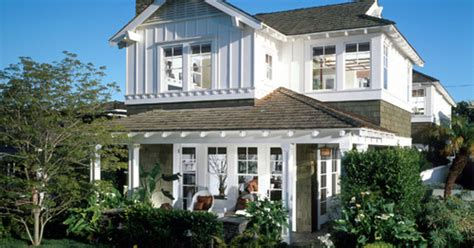 exterior paint colors to make house look bigger what exterior paint colors make your home look larger