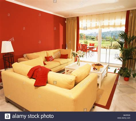 red sofa yellow walls red sofa yellow walls 28 images 112 best images about