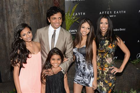 M. Night Shyamalan, wife Bhavna Vaswani and daughters ... M Night Shyamalan Daughter