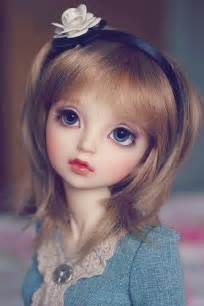 Beautiful Doll Desicomments