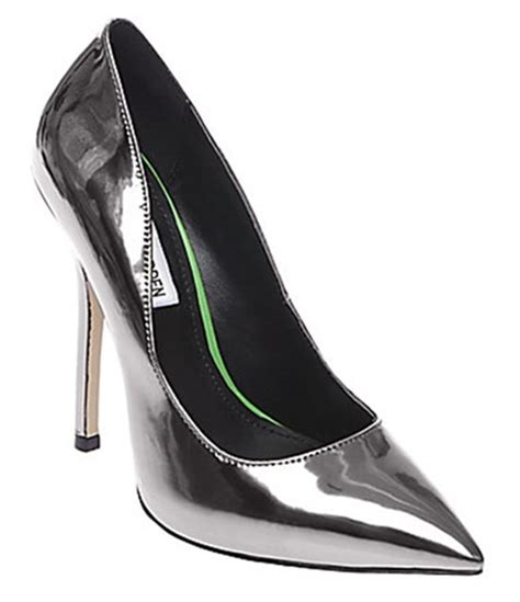 Despite The Copious Colors Steve Maddens Lezlie Shoe Wins In White by Ora Wears To Toe Metallic In Jimmy Choo Quot Anouk