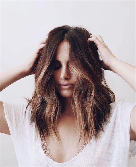 haarschnitt mittellange braune haare modische frisuren