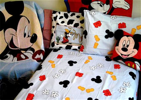 mickey mouse bed sheets disney mickey mouse 4pc bed sheet set size