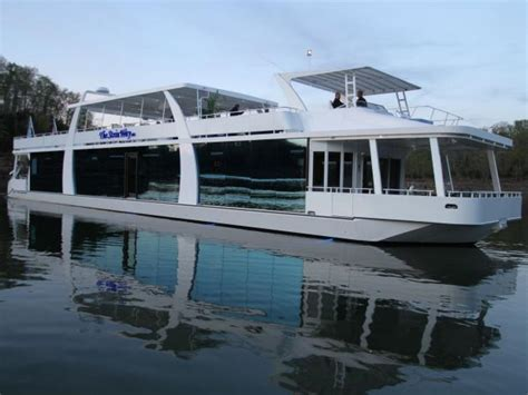 lake boat episode modern family photo page hgtv