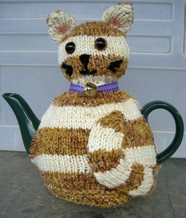 cat knitting pattern download striped cat tea cosy pattern cup190354 1100 craftsuprint