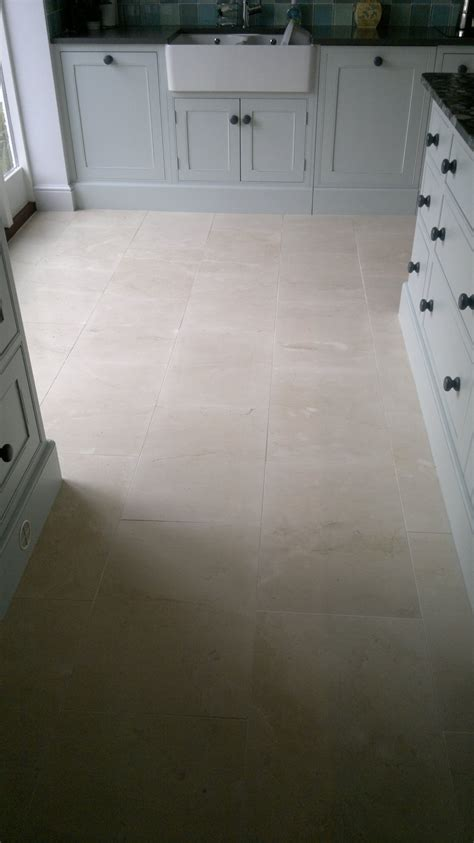 Cleaning Porous Floor Tiles by Micro Porous Porcelain Cleaning And Polishing Tips