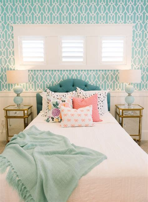 bedroom chairs for girls 17 best ideas about turquoise bedrooms on pinterest teen
