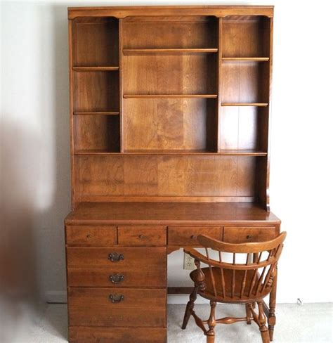 Ethan Allen Maple Desk With Hutch And Chair Ebth Ethan Allen Desk